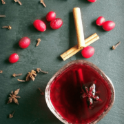 Warme Kruidige Cranberry Drank
