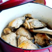 Boterzachte Coq-au-Riesling uit de Braadpan