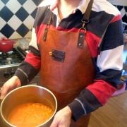 Xapron Lederen Schort & Een Echte Mannen Curry