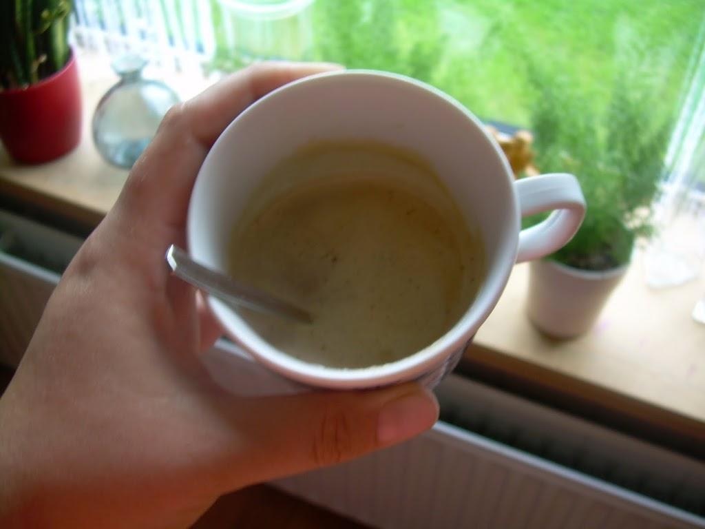 Echt lekkere koffie, met kokosmelk en rauwe honing