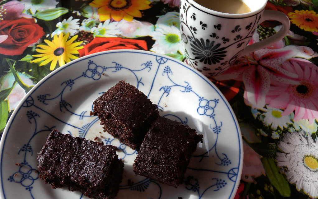 De Alllerlekkerste Chocoladecake… Ooit! Zonder gluten, suiker of melk.