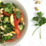 Gezonde lunch broccoli mango salade