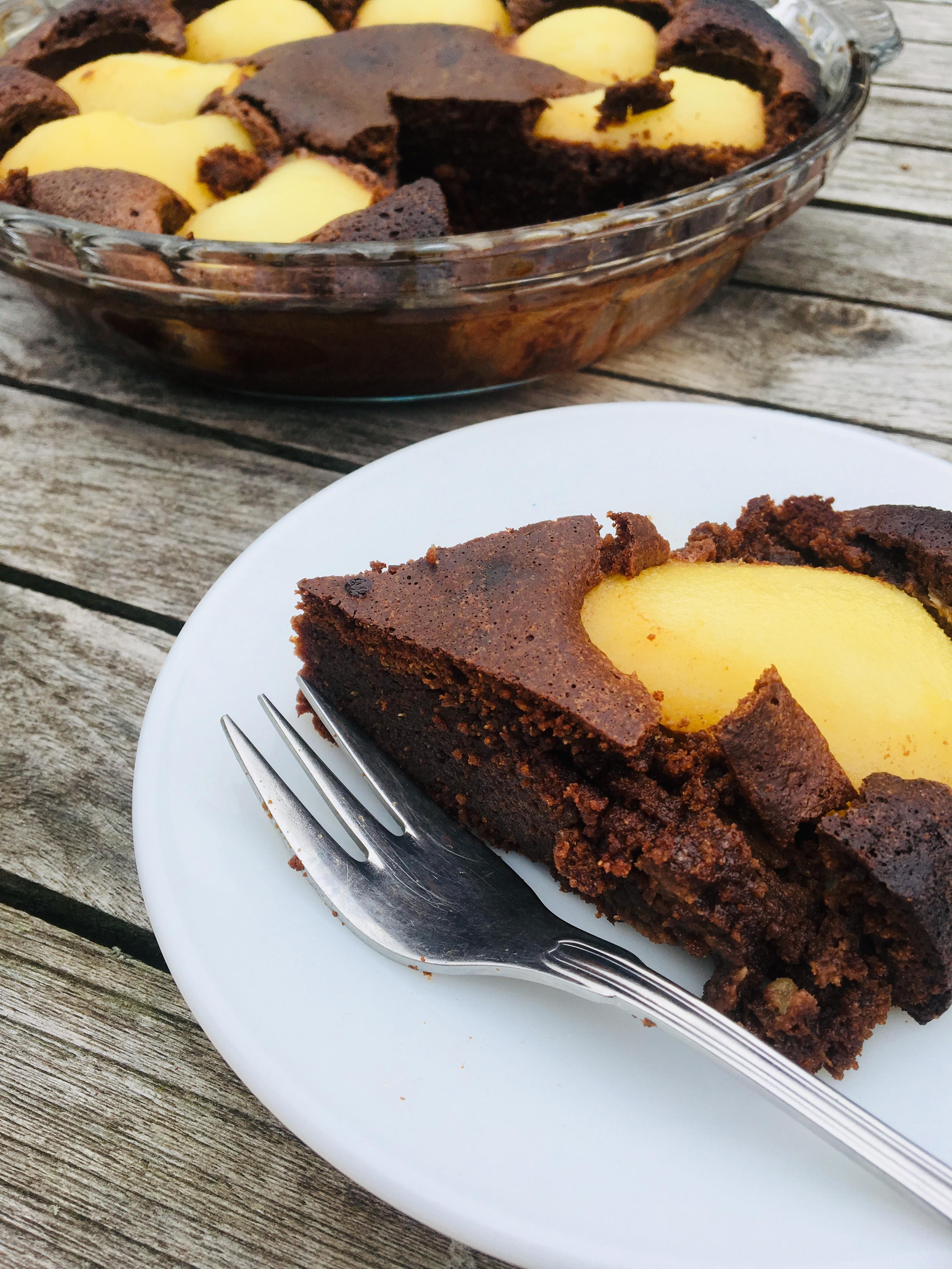 peer en chocolade cake