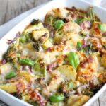 Broccoli Aardappel Ovenschotel met Rode ui en Kaasgratin