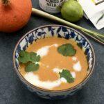 Perfect voor Koude dagen – Pittige Thaise Pompoensoep met Kokosroom